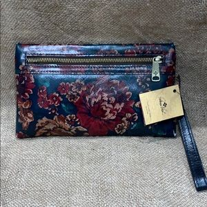 BRAND NEW Patricia Nash fall collection wristlet